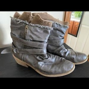 Size 8.5 distressed boots